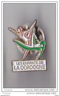 PIN'S  THEME GYMNASTIQUE  CLUB DE PERIGUEUX LES ENFANTS DE LA DORDOGNE - Gymnastics