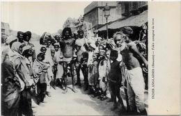 CPA Inde India Britannique Anglaise Non Circulé Type Ethnic Métier BENARES Fakir - India