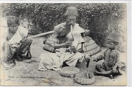 CPA Inde India Française Non Circulé Type Ethnic Métier Serpents - India
