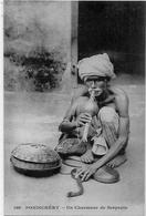 CPA Inde India Française Non Circulé Type Ethnic Métier Serpents Pondichéry - India