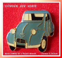 SUPER PIN'S CITROËN : Belle 2CV VERTE, Base ZAMAC Or, Recto VERNIS Bombé, Format 2,3X2cm - Citroën