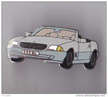 PIN'S THEME AUTOMOBILE  UN COUPE MERCEDES 300 SL  GRIS  PAS CONNU - Mercedes