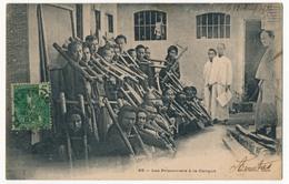 CPA - INDOCHINE Française - Les Prisonniers à La Cangue - Viêt-Nam