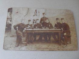 """CP De """" Les Intimes De 1/3 """" - Militaire Soldat Armée - Bière Bourg Léopold - Guerra 1914-18"""