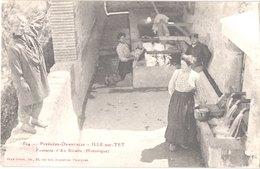 FR66 ILLE SUR TET - Brun 1504 - Fontaine D'en Ribalte - Lavoir - Animée - Belle - Autres Communes