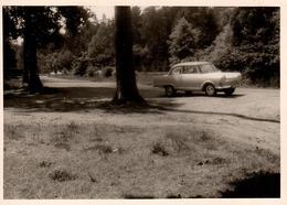 Photo Originale Coupé à Identifier En Campagne Vers 1960 - Opel, Ford, .... - Automobiles