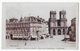 Cpa Bon Etat , Auch ,  Place De La Mairie Place De La République , Cathédrale - Auch