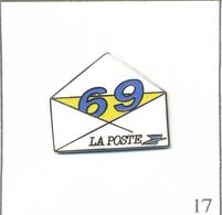 Pin's PTT - La Poste / Département 69 Avec Enveloppe. Non Estampillé. EGF. T600-17 - Mail Services