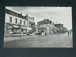SAINT CYR L ECOLE     1950   /   RUE ET COMMERCES  .......  EDITEUR - St. Cyr L'Ecole