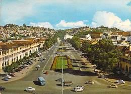 Afrique > Madagascar TANANARIVE Perspective De L'Avenue De L'Indépendance  (Auto Voiture)(Editions Opticam 3 )*PRIX FIXE - Madagascar