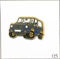 Pin's Automobile - Mercedes 4X4 - Version Bleue / Intérieur Bleu Ciel. Est. Arthus Bertrand Paris. T602-05 - Mercedes