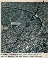 FOOTBALL : PHOTO, LE NEPSTADION, STADE DE BUDAPEST, HONGRIE, LES TRIBUNES, COUPURE REVUE (1964) - Autres