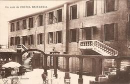 Cpa Des Alpes Maritimes, Juan Les Pins (06), Un Coin De L'Hôtel Britannia, Cliché Maussier, Circulée - Antibes