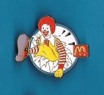 1 PIN'S  // ** RONALD / CLOWN McDONALD'S ** Tirage 200 ** . (McDonald's® Made In U.S.A. Set Of 200) - McDonald's