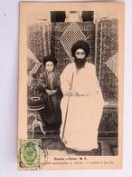C.P.A. : IRAN, Perse, Le Prêtre Et Son Fils, Timbre En 1905 - Iran