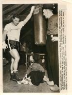 GRANDE PHOTO ORIGINALE  BOXEUR  ROCKY MARCIANO  FORMAT  24 X 18 CM - Boxing