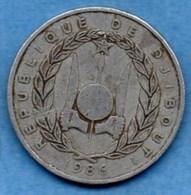 (r65)  DJIBOUTI  5 Francs 1986 - Djibouti
