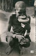 FORT - ARCHAMBAULT    (  Tchad )    Une  Négresse  à  Plateau . - Tchad