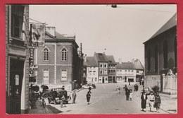 Beaumont - Grand'Place .... Belle Animation , Oldtimer - Carte Photo  ( Voir Verso ) - Beaumont