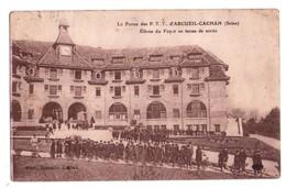 1792 - Le Foyer Des PTT D'Arcueil-Cachan ( 94 ) - Elèves Du Foyer En Tenue De Sortie - Ph. Hamelle à Cachan - - Arcueil