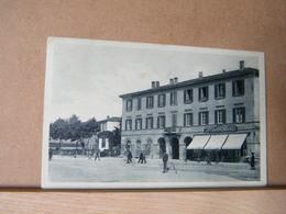 MONDOSORPRESA, TREVIGLIO ( BERGAMO) PIAZZA SETTE FRATELLI BUTTINONI, ANIMATA, VIAGGIATA 1934 - Italy