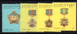 818 490 - KAZAKISTAN 1997 ,  Unificato N. 180/183  ***  Medaglie - Kazakhstan