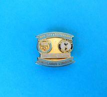 MANCHESTER CITY FC : TOTTENHAM HOTSPUR ... 2007-2008 Season * Football Soccer Pin Badge England British Fussball Calcio - Football
