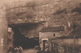 17 SAINT-SAVINIEN ENTREE DES CARRIERES - France