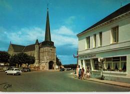 85 - NOTRE DAME DE MONTS - PLACE DE L'EGLISE ET L'HOTEL DU CENTRE - Autres Communes