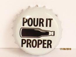 Capsules Ou Plaques De Muselet  BIÈRE ST AUSTELL BREWERY PROPER JOB - Beer