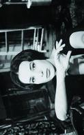 French Bernadette Lafont  Actress PIN UP PHOTO Postcard - Publisher RWP 2003 (02) - Mujeres Famosas