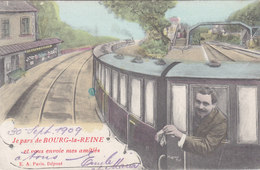 Cpa Ak Pk 1909 Je Pars De Bourg La Reine Et Je Vous Envoie Mes Amitiés Jeune Homme  Dans Le Train - Bourg La Reine