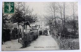 CPA Peu Courante 92 Ville D'Avray 1907 Sortie Des Jardins Animé Personnages Dans Voiture Ancienne - Ville D'Avray