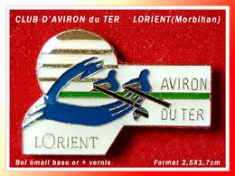 SUPER PIN'S AVIRON : CLUB Du TER De La Ville D'ORIENT Dans La MORBIHAN, émail Base Or + Vernis, Format 2,5X1,7cm - Rowing
