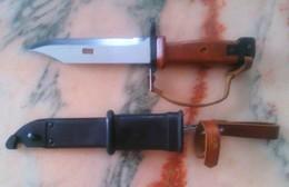 Vend Baionnette Polonaise AKM Type 2 - Armes Blanches