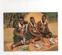 Language Of Beads ; Zululand , 3 Superbes Jeunes Femmes ...artisanat ...neuve - Afrique Du Sud