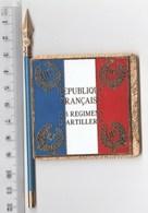 DRAPEAU FANION 11° RA REGIMENT D' ARTILLERIE , En Métal - J BALME DEPOSE - Drapeaux
