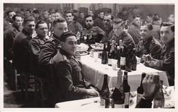 Ak Foto Deutsche Soldaten Bei Weihnachtsfeier - Weihnachten - Photograph F. Thim, Wien Vorgartenstrasse - 2. WK (35327) - Weltkrieg 1939-45