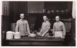 Ak Foto Deutsche Soldaten In Der Küche - Photograph F. Thim, Wien Vorgartenstrasse - 2. WK (35330) - Weltkrieg 1939-45