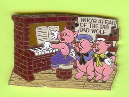 Pin's BD Disney Les Trois Petits Cochons ¨Who's Afraid Of The Big Bad Wolf (Piano) - 9N07 - Disney