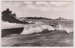 64 - ST JEAN DE LUZ - Grosses Vagues à L'entrée Du Port - Au Fond Le Socoa - Ed. L. Chatagneau Elcé N° 1307 - Saint Jean De Luz
