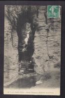 CPA 75 - PARIS - 19ème - Buttes Chaumont - Intérieur De La Grotte - TB PLAN EDIFICE NATURE Avec Très Jolie ANIMATION - Arrondissement: 19