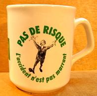 MUG TASSE BP PAS DE RISQUE L'ACCIDENT N'EST PAS MARRANT / TAMS MADE IN ENGLAND - Tasses