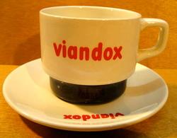 TASSE ET SOUS-TASSE VIANDOX / SOUS LA TASSE MOULIN DES LOUPS ORCHIES - Cups