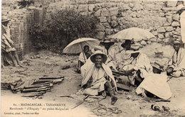 TANANARIVE - Marchands D' Engudy Ou Pelles Malgaches  (107122) - Madagascar
