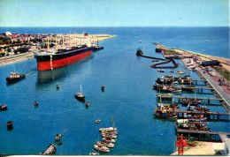 N°1354 A -cpsm Ouistreham  Riva Bella -l'Olympic Pearl Entrant Dans Le Port- - Commerce