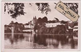86 La Roche Posay - Cpa / Les Bords De La Creuse - La Ville. - La Roche Posay