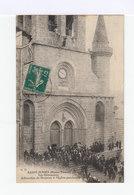Saint Junien. Haute Vienne. Les Ostentations. Arboration Du Drapeau Sur L'église. (2962) - Eglises Et Couvents