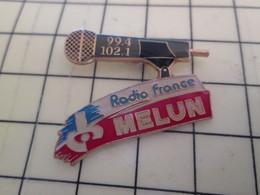 217 Pin's Pins / Beau Et Rare : Thème MEDIAS / RDAIO Pour Toi Gori !!! RADIO FRANCE MELUN 99.4 Mhz 102.1 Mhz - Medias
