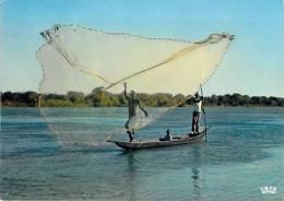 Afrique En Couleurs - Africa In Color - Scène De Pêche ( Pêcheurs Fishing ) Photo HOA-QUI 5891*PRIX FIXE - Cartes Postales